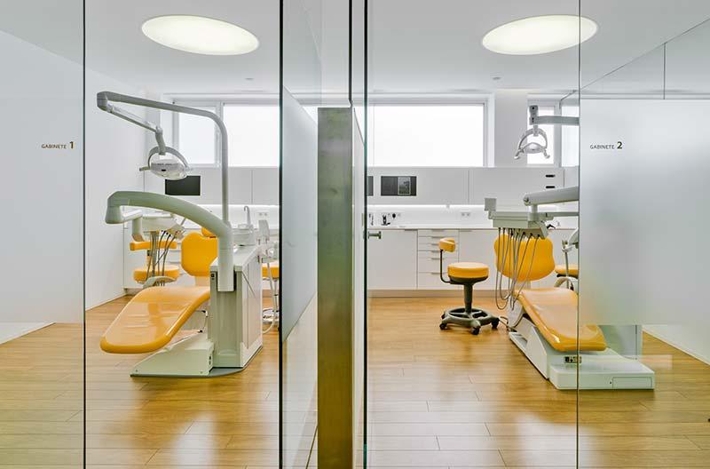 Disponemos de cuatro modernos gabinetes en nuestra Clínica Dental en Murcia